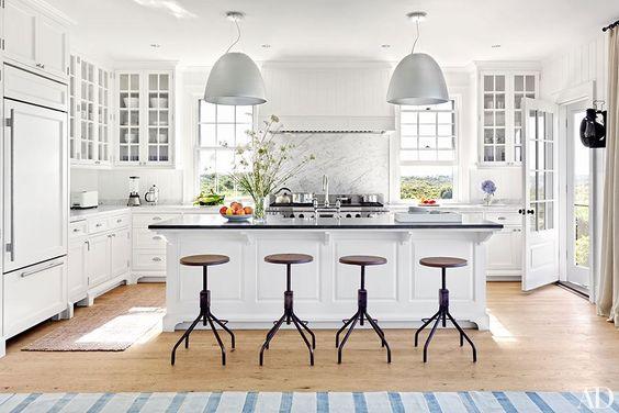 sugestie-decorare-bucatarie-mobilier-alb