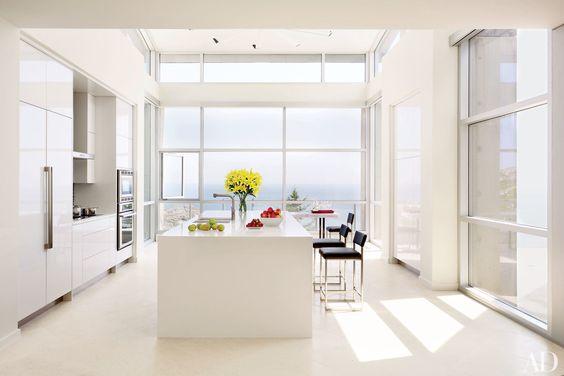 bucatarie-moderna-mobilier-alb