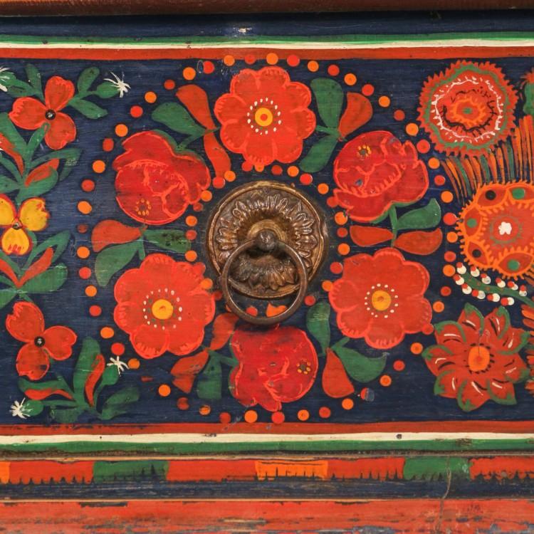 motiv-decorativ-trandafir-culori-vii-ungaria