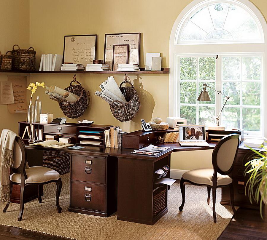 Ansamblu de birouri clasice cu finisaj maro si scaune stil