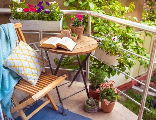 Idei utile pentru amenajarea balconului