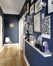 Amenajare hol ingust si lung – tablouri si decoratiuni
