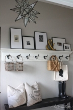 Amenajare hol patrat – cuier si bancuta din lemn