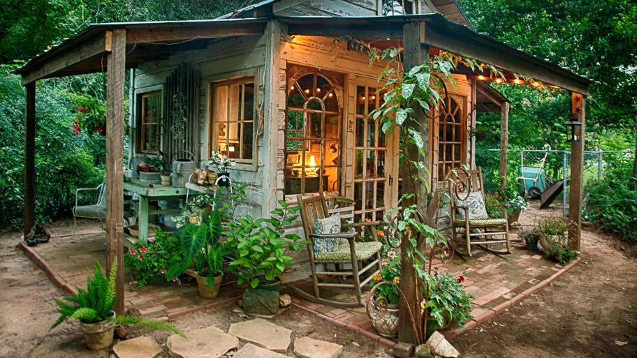 Idei De Amenajări și Decorațiuni Pentru Grădina Casei Tale