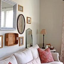 amenajarea-dormitor-mic-perete-cu-oglinzi